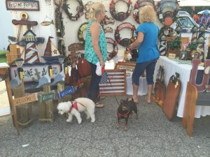 Shoppers and their pups during the 2016 National Pumpkin Festival in Spring Hope NC. Photo: Kay Whatley.