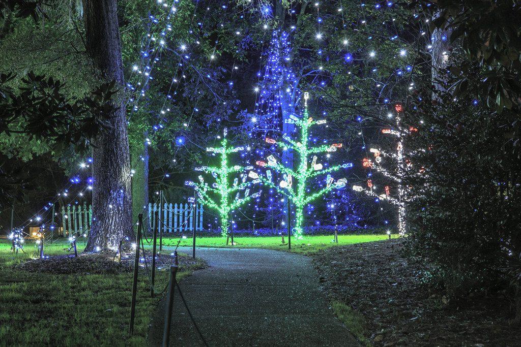 Airlie Gardens' Enchanted Airlie, Courtesy of Brett Cottrell NHCNC (PRNewsFoto/NC Holiday Flotilla,Airlie Gard).