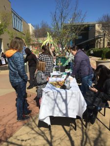 Outdoor vendors at 2017 Dig In! in Raleigh NC. Source: Kay Whatley.