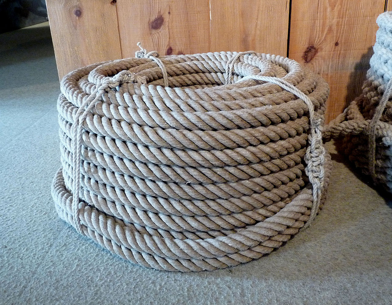 "Hemp rope. Source: Photo Cordage en chanvre"" by Ji-Elle - Own work. Licensed under CC BY-SA 3.0 via Commons."