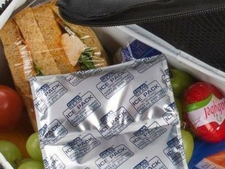 Back to school shopping this weekend? Pick up an insulated lunch box & ice packs to keep packed lunches safe! Start the school year off right & protect your family from foodborne illness. Credit: FoodSafety.gov.