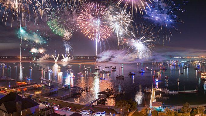 North Carolina Holiday Flotilla & Fireworks, Courtesy of Ned Leary Photography (PRNewsFoto/NC Holiday Flotilla,Airlie Gard).