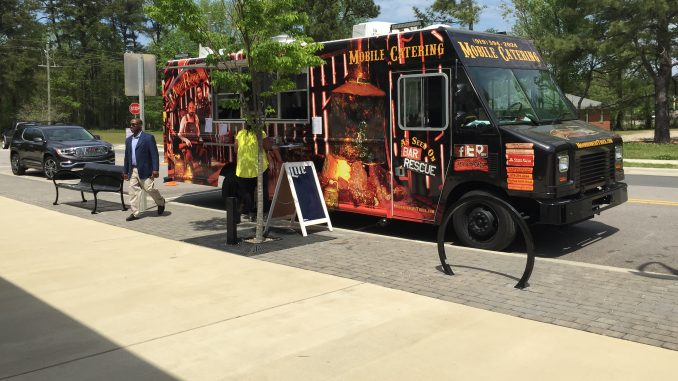 Knightdale Food Truck Thursday with MoonRunners truck. Photo: Kay Whatley.