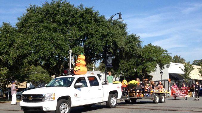 Wendell Harvest Festival Parade. Photo: Frank Whatley, 2013
