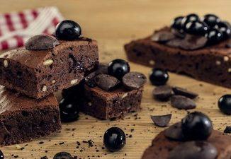 Black olives brownies. Source: PRNewsfoto/Olives from Spain