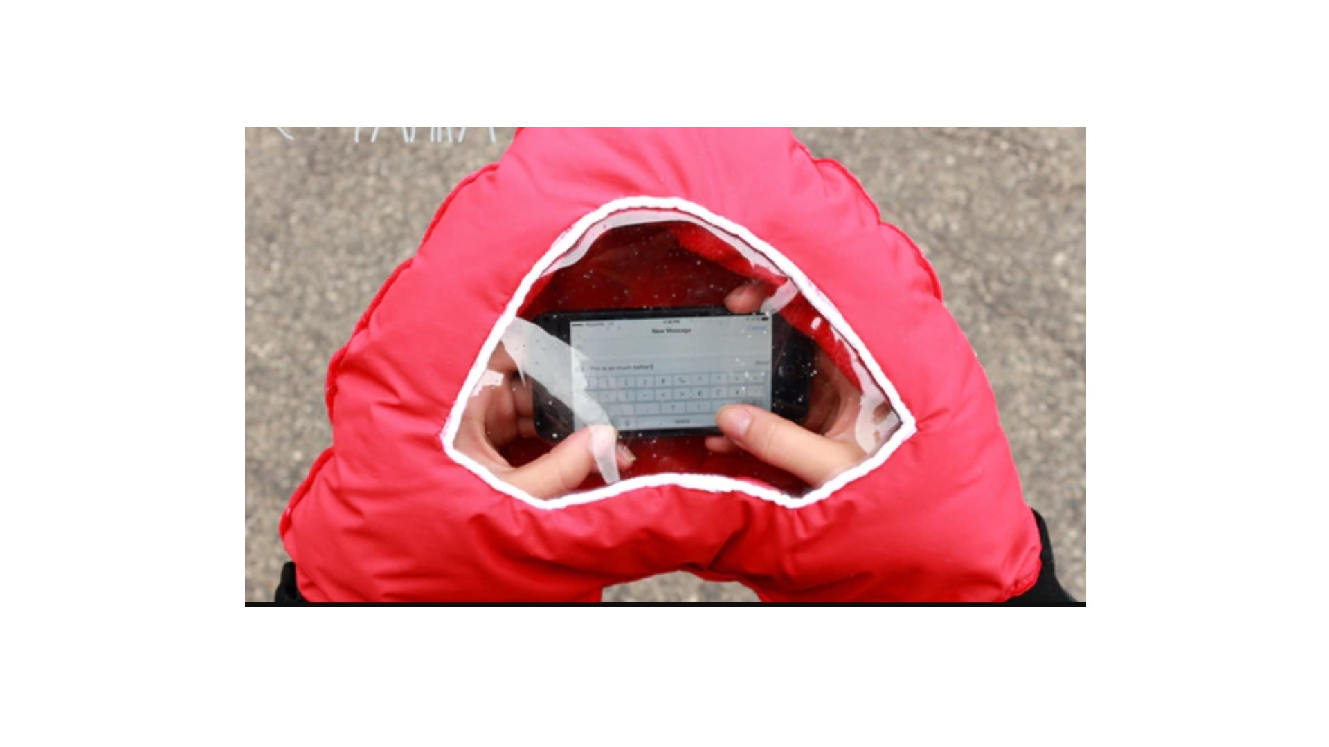 Tahka hand warmer in use with SmartPhone. Source: Mina Mais, KickStarter