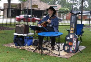 Live, local bands play each week at the Zebulon Farm Fresh Market. Source: Cindy Brookshire