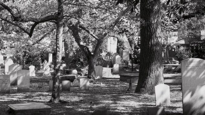 Graveyard at Saint Peter's Episcopal Church, Washington, NC. Source: Washington Haunted Historic Ghost Walk