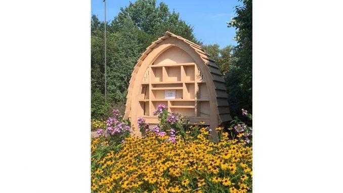 Air Bee & Bee / JC Raulston Arboretum at NCSU. Photo courtesy Mark Weathington